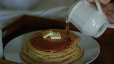 Breakfast_In_Bed_04